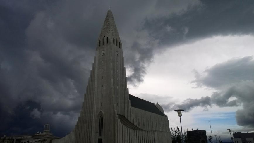 Hallgrimskirkja, Reykjavik - Emma's Picture Postcards