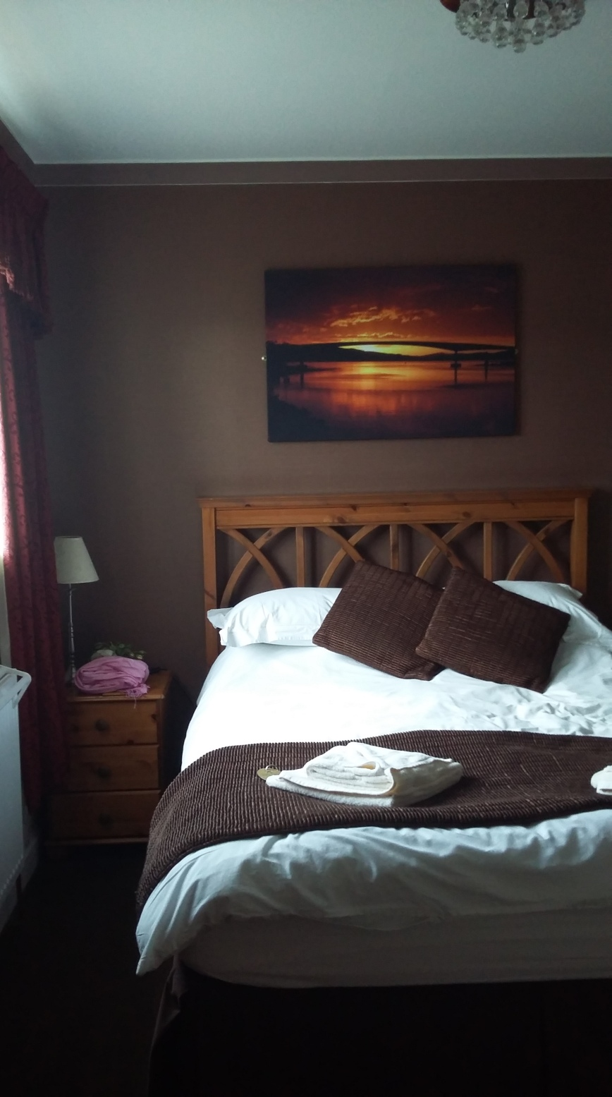 White Heather Hotel, Kyleakin, Skye - Emma's Picture Postcards